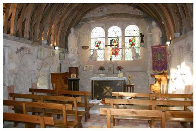 Chapelle: intérieur lors d'une célébration