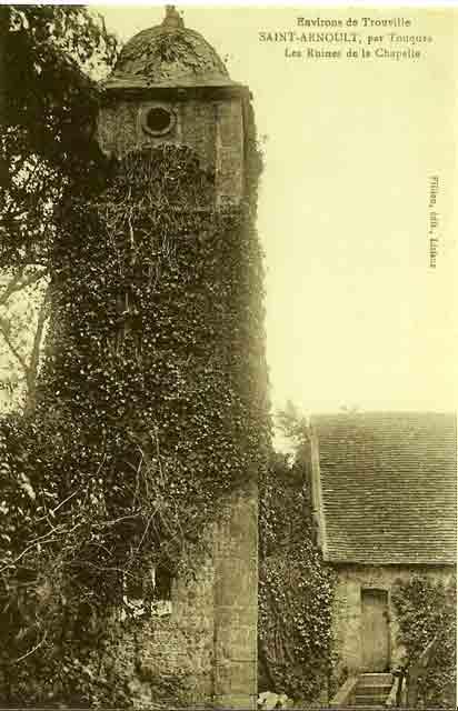 clocher et entrée chapelle