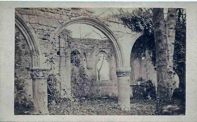Ruines intérieures de l'église:  Photo de Lepetit fin XIXème.